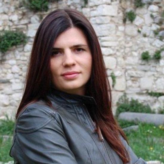 Language naturally teacher Liudmila